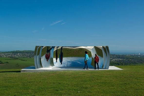 c curved anish kapoor, 2009, Brighton Festival